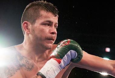 boxer Moises Flores